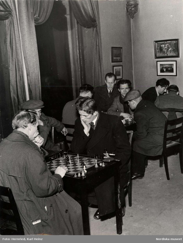 Arbetslösa i Stockholm spelar schack