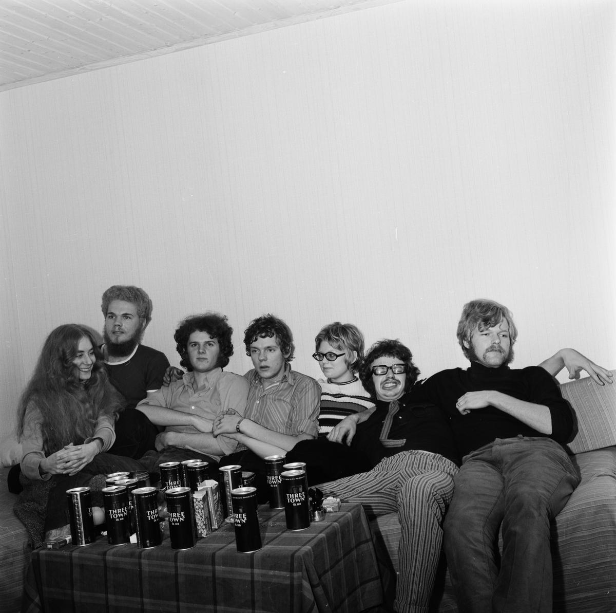 """""""Gud i Brallan, kontroversiell Uppsalagrupp"""" - sannolikt Uppsala, oktober 1970"""