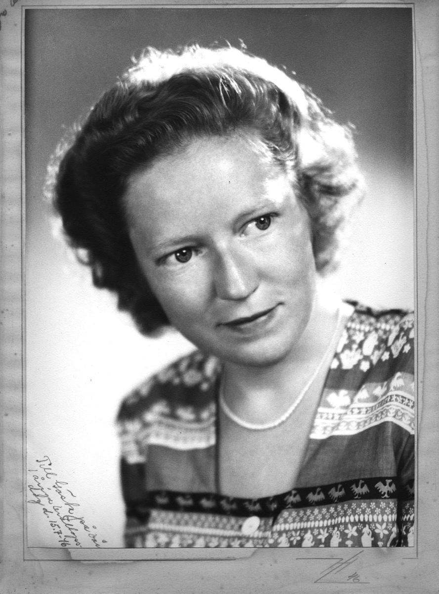 Porträtt av sjuksköterskan Margit Forsström, född Johansson