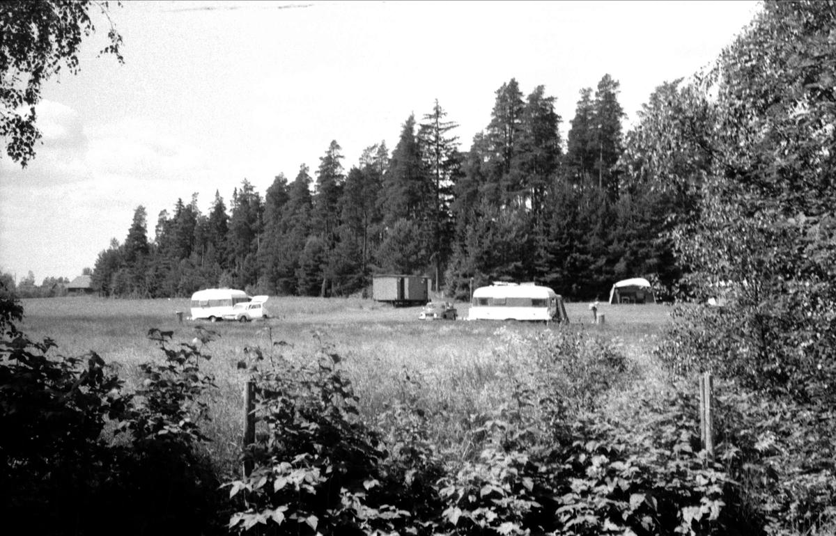 Vy över campingplats, Tibble 2:3, Björklinge socken, Uppland 1976