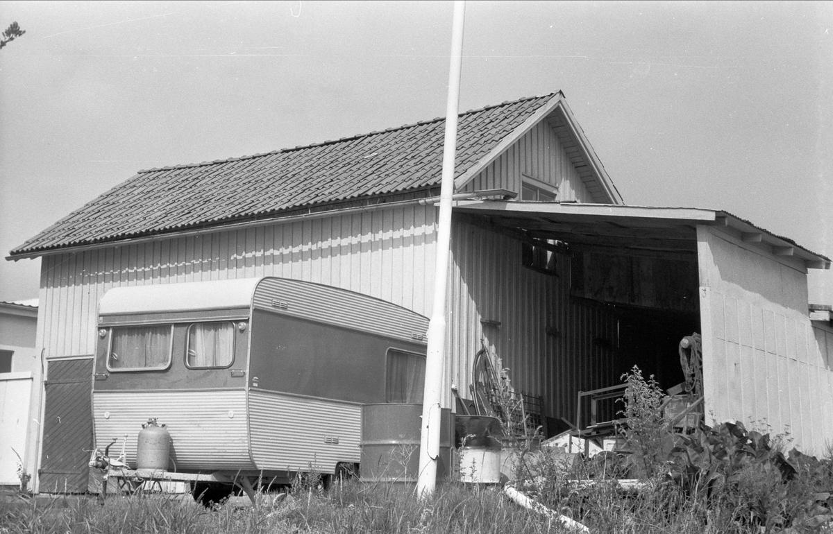 Bensinstation - uthus, Högsta, Bälinge socken, Uppland 1976