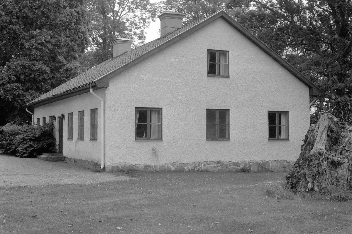 Flygelbyggnad, Kiplingeberg 1:1, Bälinge socken, Uppland 1983