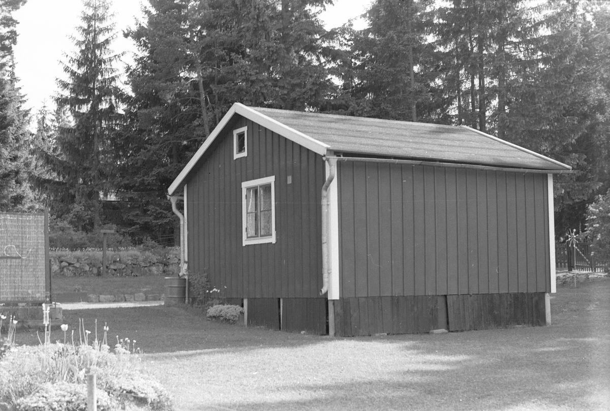 Småsommarstugeområde vid Vadbacka, Läby socken, Uppland 1975