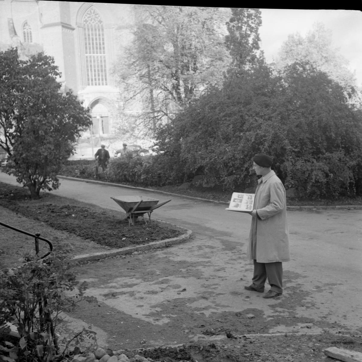 Stadsträdgårdsmästare Erik Laufors, Riddartorget, Uppsala 1958