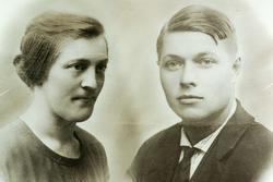 Ekteparet Kainolainen Johansen bosatt på Sveindal. Grindheim