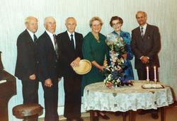 Kirken sine tjenere ved avskjedsfest for sokneprest Bergland på Byremo bedehus. Grindheim.