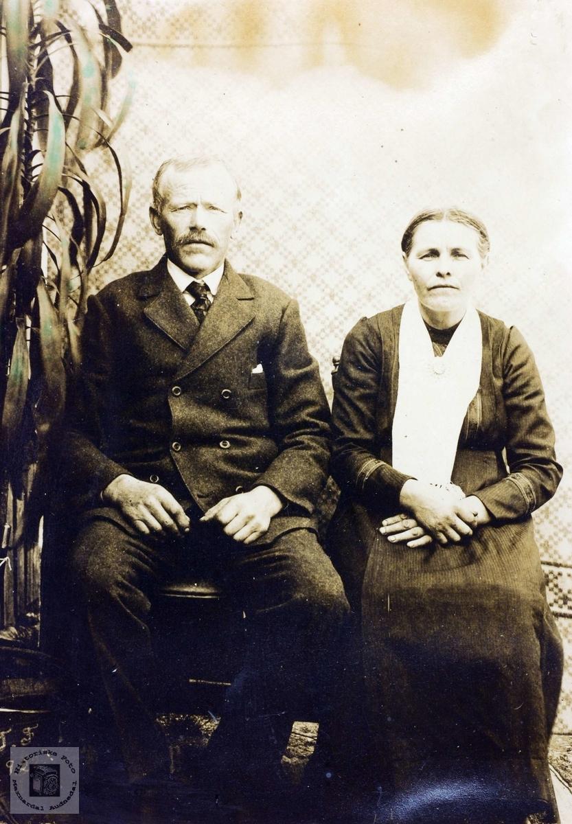 Portrett av ekteparet Tobias og Randi Flåt. Bjelland Grindheim