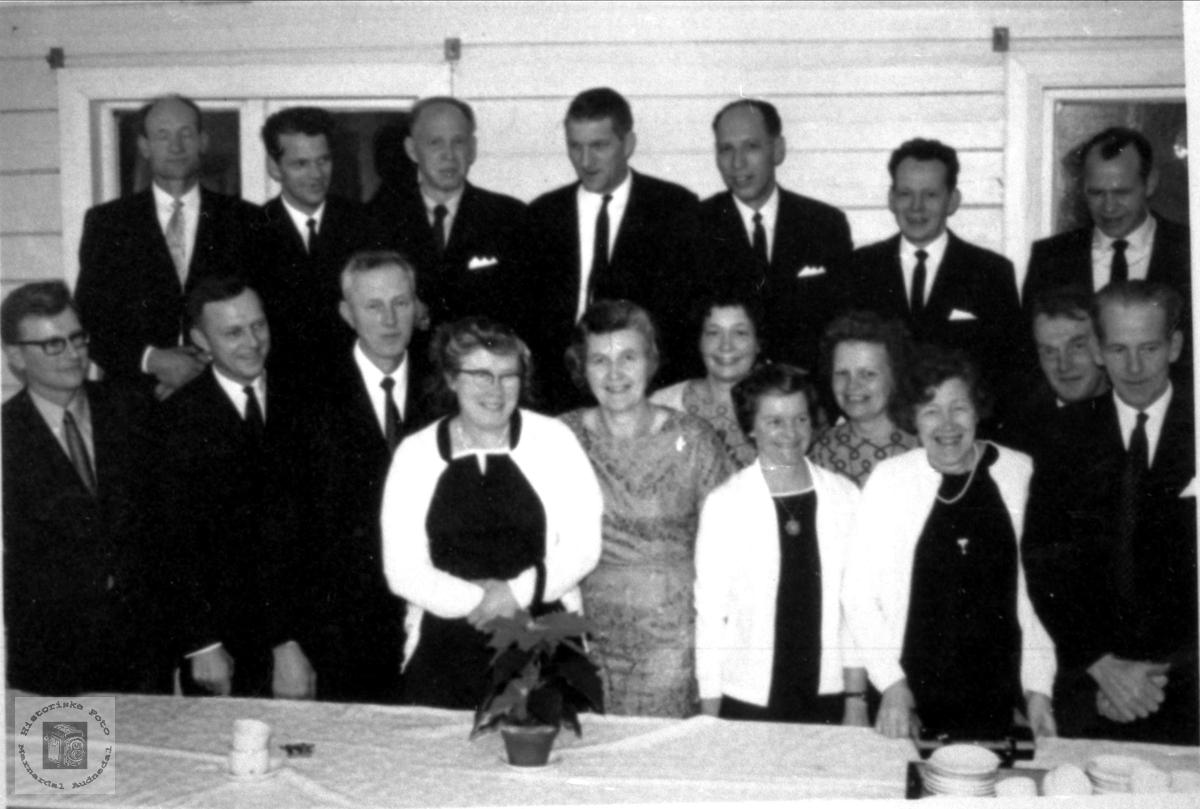 Tidligere elever ved Brusletta skole i Bjelland.