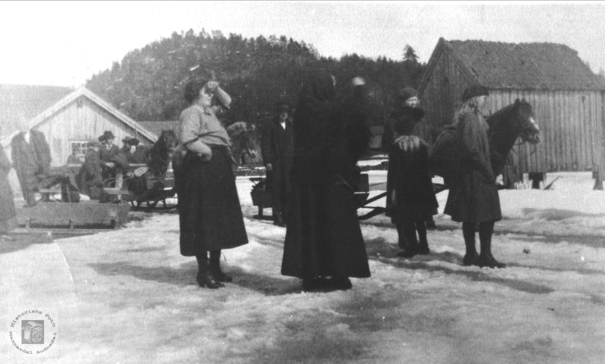 Gravferda til Randi Bentsdtr Kleveland (1826-1924)., nedre Kleveland i Finsland