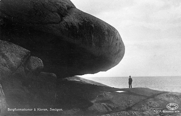 """Text på vykort: """"Bergformationer å Kleven, Smögen""""."""