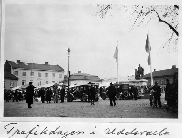 """Text på kortet: """"Trafikdagen i Uddevalla""""."""