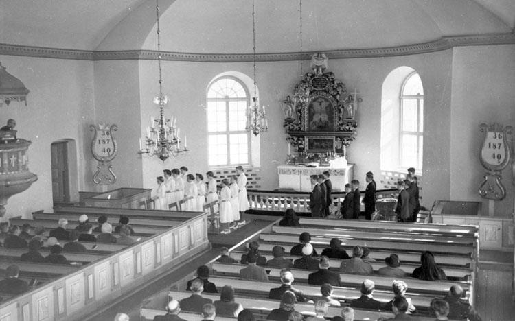 """Enligt AB Flygtrafik Bengtsfors: """"Skredsviks kyrka""""."""
