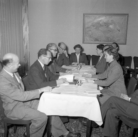 """Enligt notering: """"Gymnastikföreningens Årsmöte1954""""."""