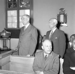 Läroverkslärare vid Uddevalla läroverk hyllas 1955