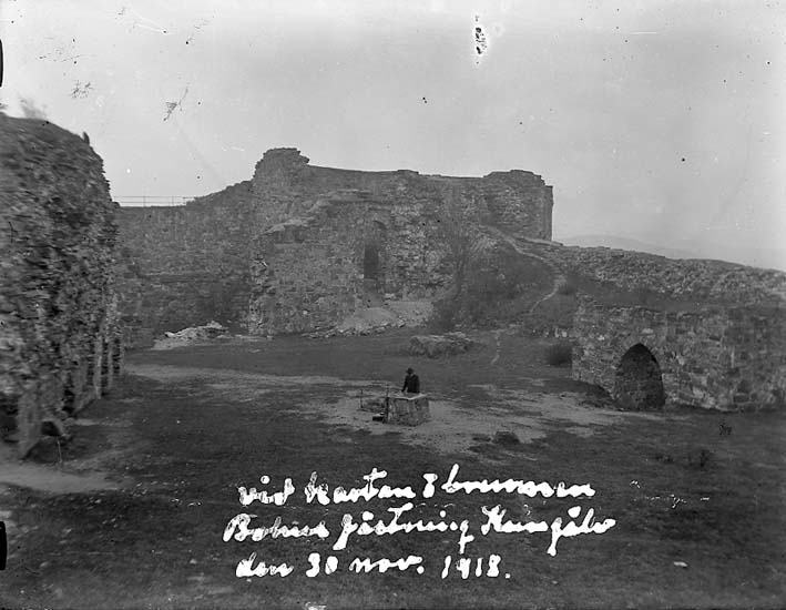 Brunnen på Bohus fästning, Kungälv, den 30 november 1918