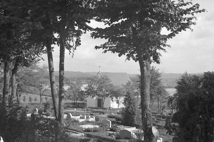 """Enligt fotografens noteringar: """"1936. Nya Kyrkogården med gravkapellet""""."""