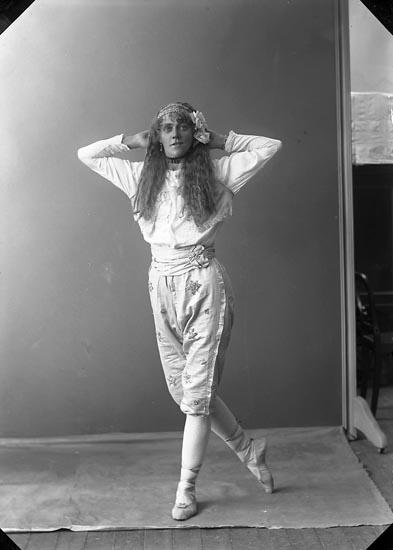 Alma Schultz, Cirkus Sarasso juni 1915