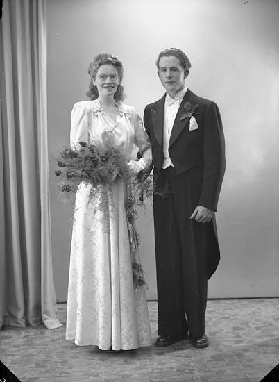 "Enligt fotografens journal nr 7 1944-1950: ""Andersson, Herr Gerhard Stenung Här""."