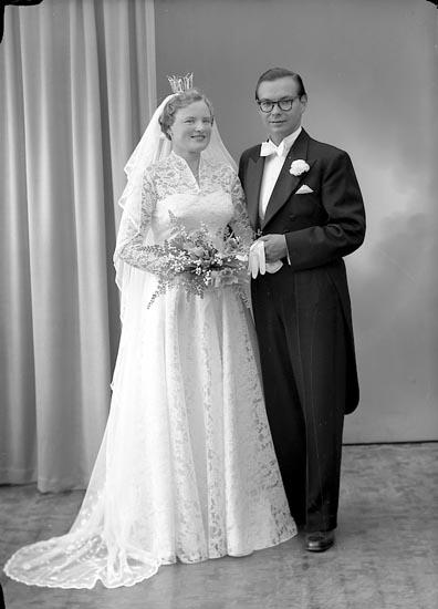 "Enligt fotografens journal nr 8 1951-1957: ""Orhaug, Ingeniör Torleif Göteborg""."