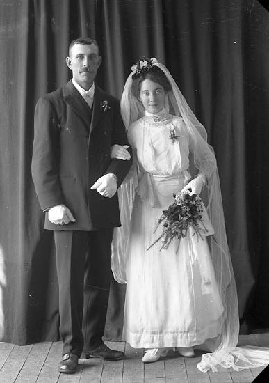 "Enligt fotografens journal nr 2 1909-1915: ""Johansson, Frans Kyrkeby, J-da""."