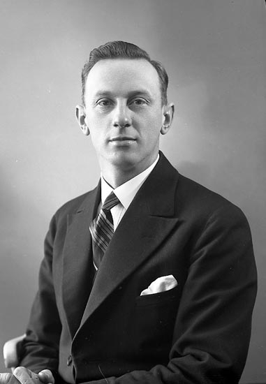 """Enligt fotografens journal nr 6 1930-1943: """"Börjesson, Gustaf Högenorum Här""""."""