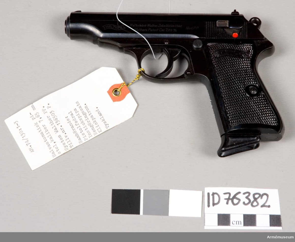 Grupp E III. Halvautomatisk pistol.