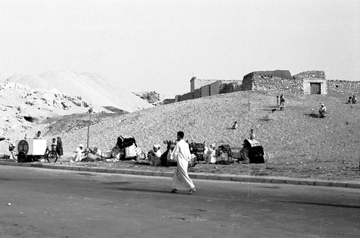 Afrikaresa, Port Said, Kairo. Samtidigt förvärv: Böcker och arkivmaterial. 35 bilder i serie.