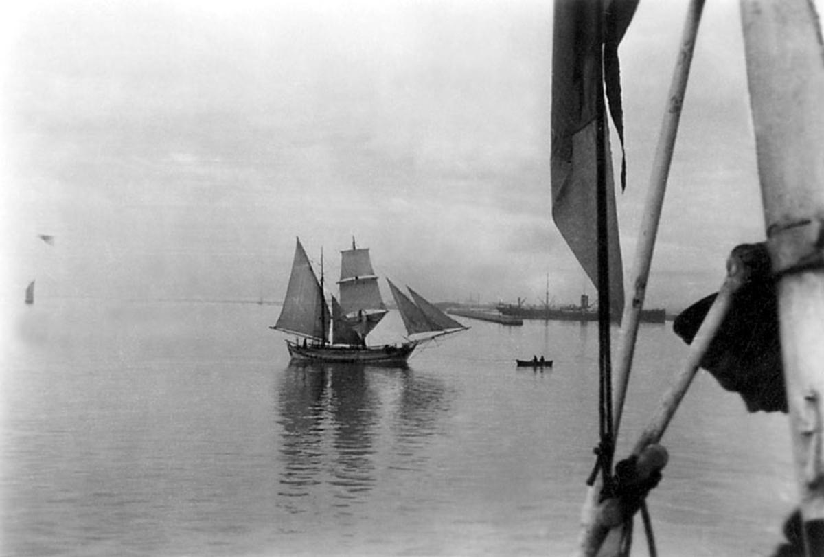 Skrivet på baksidan: Medelhavet 1925-26