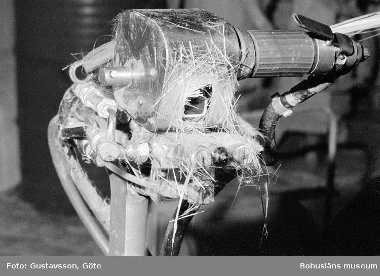 """Motivbeskrivning: """"Gullmarsvarvet AB, på bilden syns spraymaster."""" Datum: 19801031"""
