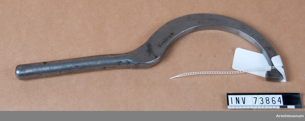 Grupp F.III.  Bestående av: A. Tub. B. Utkastare. C. Nyckel.  Försök till 15 cm positionshaubitz m/?