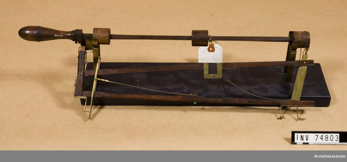 Grupp F V. Med diopter av mässing för undersökning av loppets borrning i kanoner. projekt 1749.