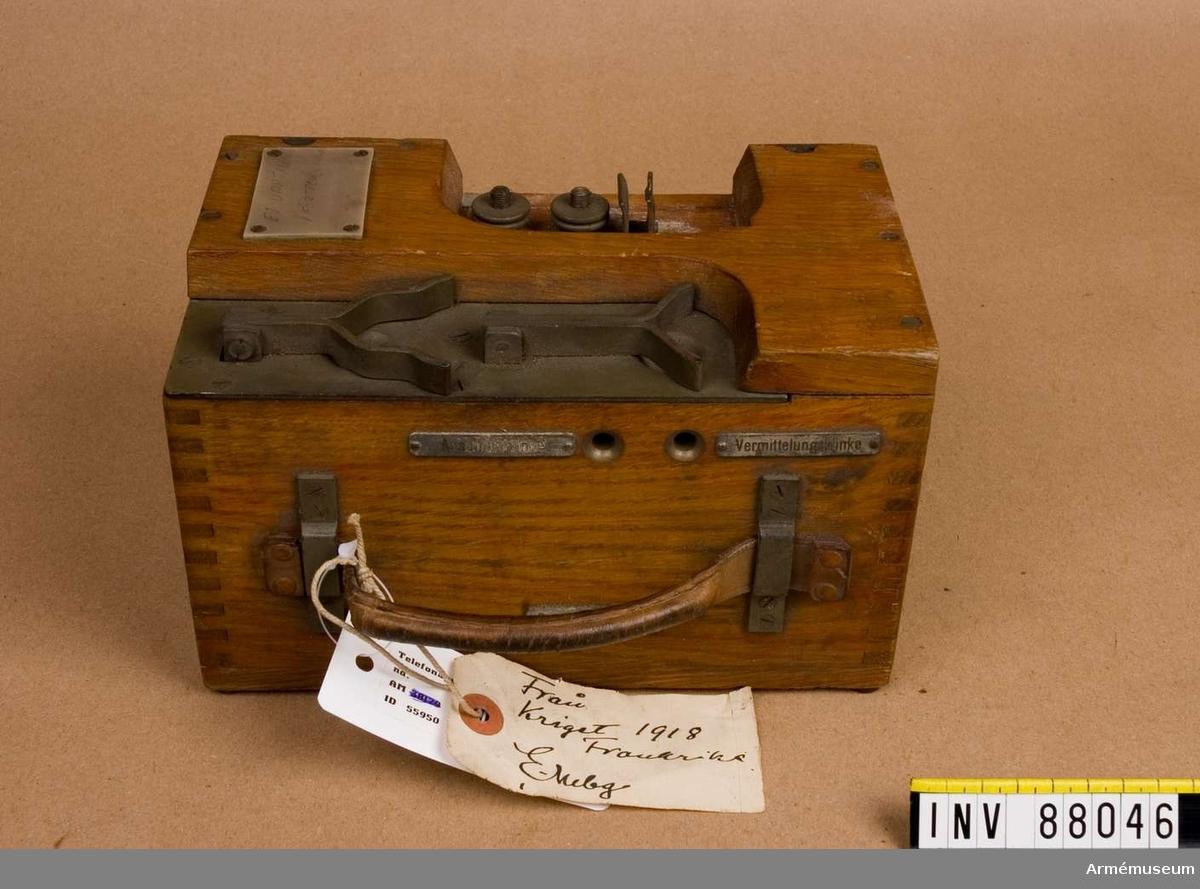 Grupp H I. Detaljer till telefonapparat 1914-18.