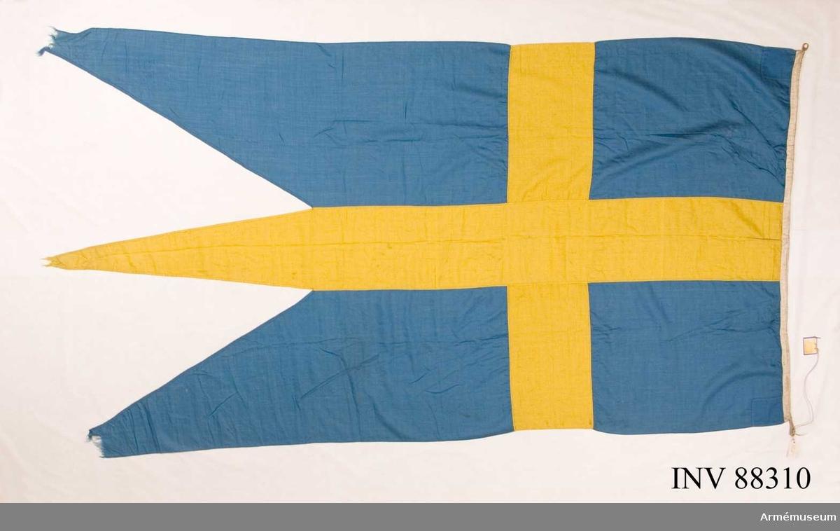 Grupp B:1. Flagga Sverige. Kungliga Positionsartilleriets sista flagga.