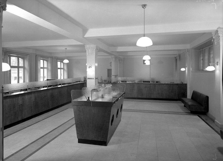 """Uppgift enligt fotografen: """"Uddevalla. Göteborgsbanken, interiör."""""""