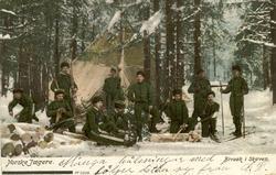 Norske Jaegere. Bivuak i skoven.