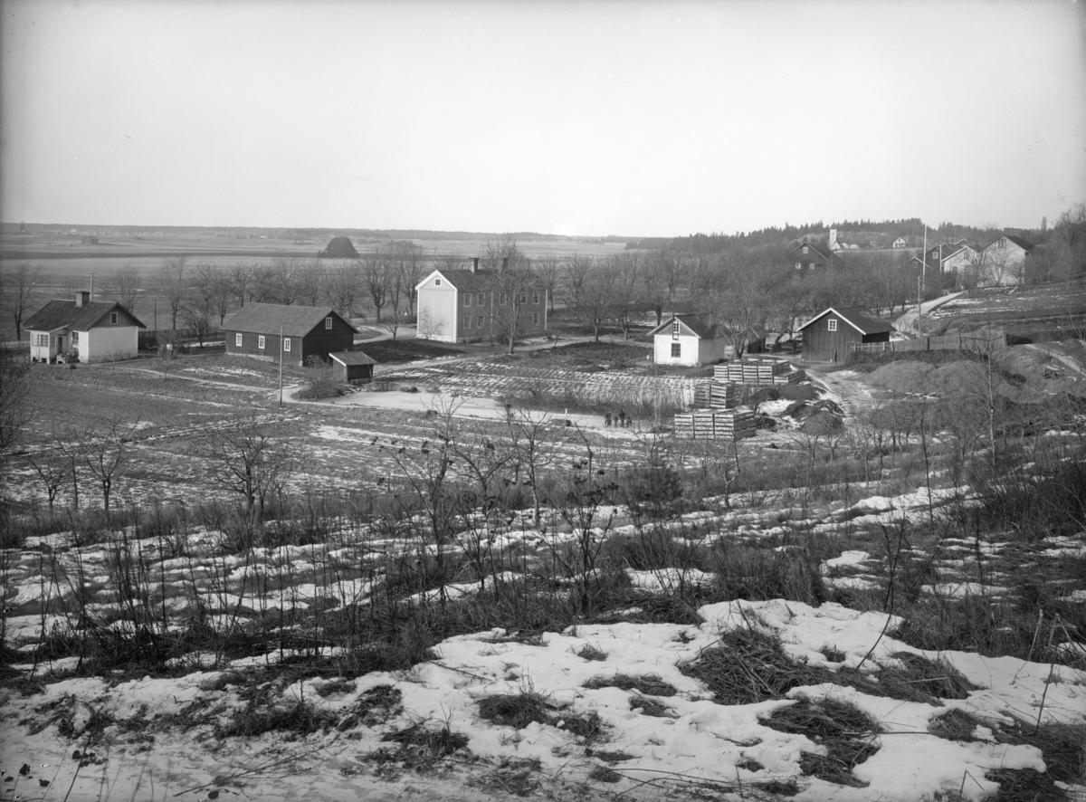 Minneslund p kyrkogrden vid Yttergrans kyrka, Yttergrans