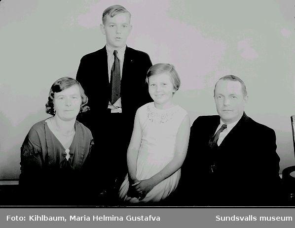 Porträtt, familjen Åström.