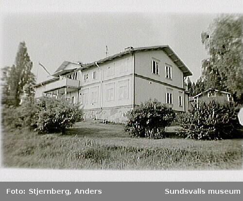 Foto 36:Arbetarbostäder fr 1930-40 ca.Foto 37: F d Inspektorsbostadfen.