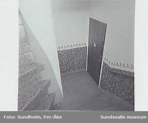 Rådhusgatan 33 A. Numreringen på fotografierna kan vara felaktiga. Kolla kontaktkopia.