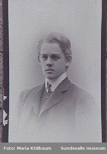 Otto Braathen, son till grosshandlare G P Braathen och hans hustru Anna.