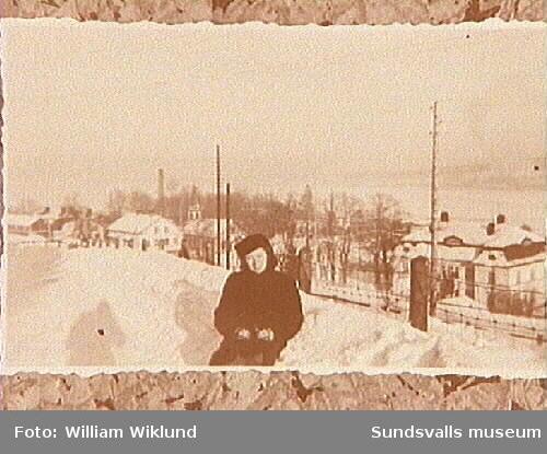 Anna Lisa Wiklund ovanför Ankaret i Svartvik.