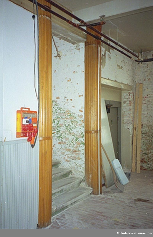 Trappuppgång i en industribyggnad, Göteborgsvägen 52, november 1994.