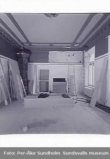 Restaurering efter brand i vindsvåning, Blombergska huset, Jupiter 5. Salong mot gatan, plan ett, Storgatan 16.