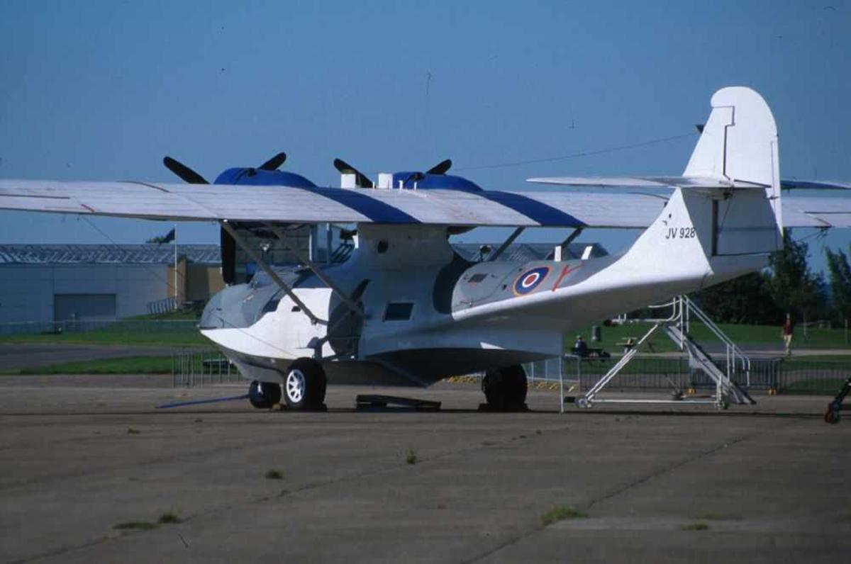 Ett fly på bakken, Consolidated PBY-5A Catalina, JV 928