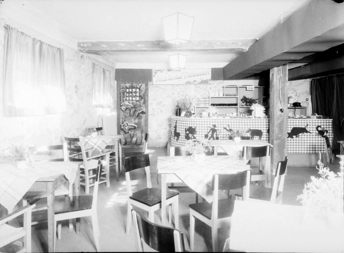 Interiørbilde fra Fredrikstad Aktiemeieri sin kafè.