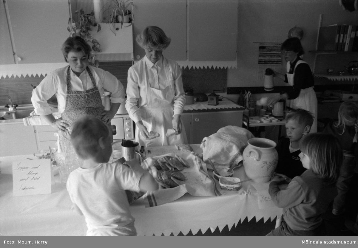 Kultur för barn på Valås förskola i Lindome, år 1984.  För mer information om bilden se under tilläggsinformation.