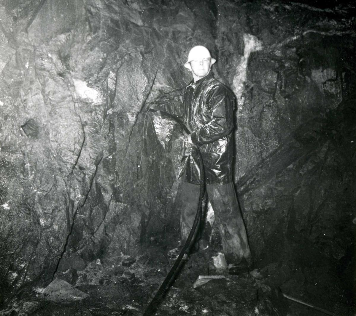 Tilløpstunnel frå Vesås. Tunnelarbeid.