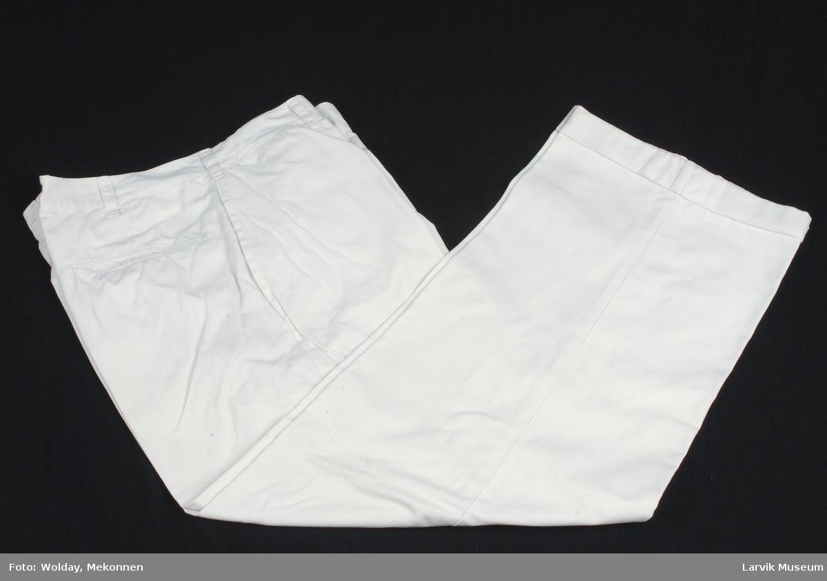 Form: hvitt bomullstøy,linningsfór og innelommer