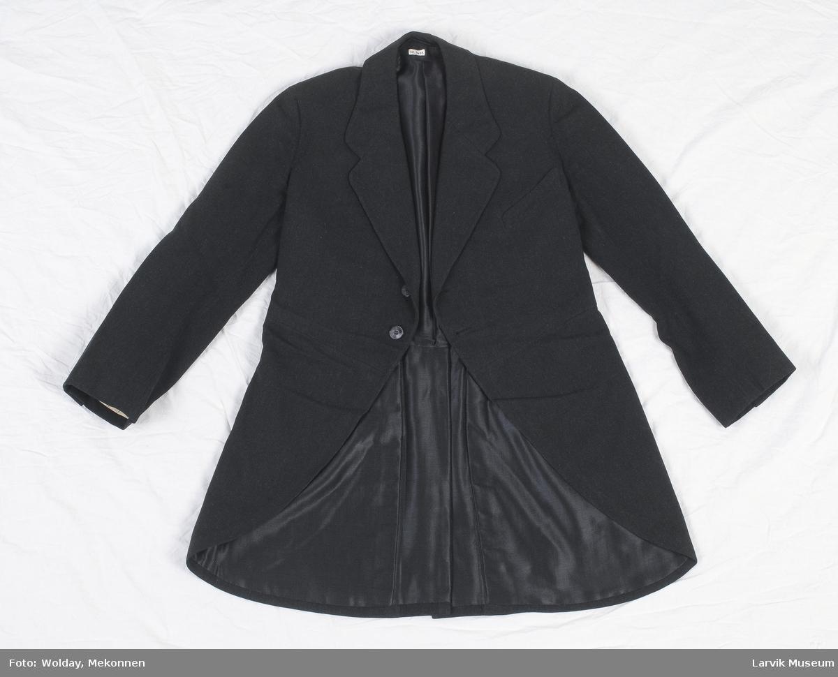 Form: sort ullkypert,fór av blank bomullskypert,hvitt/