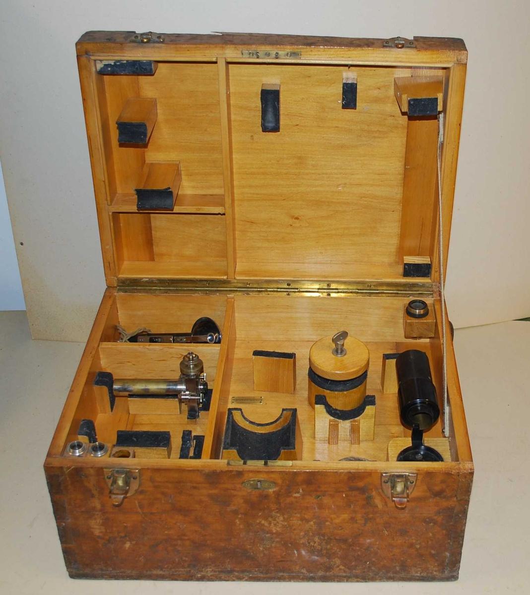 Kasse for diverse ekstra-utstyr